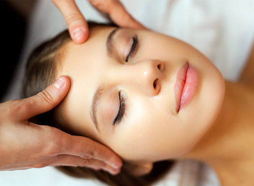 Acupressure & Reflexology For Beauty